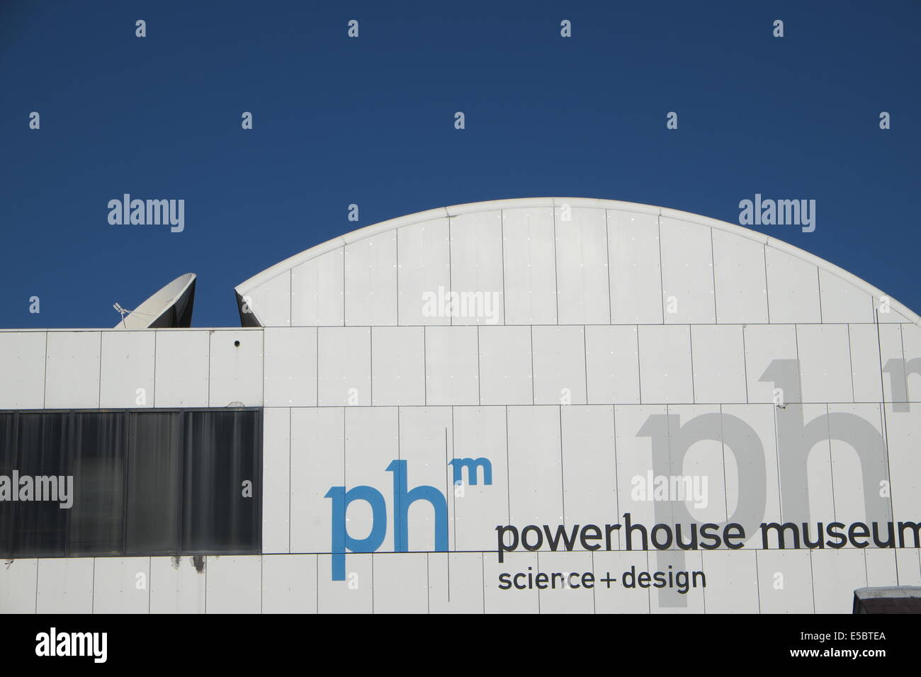 how to get to powerhouse museum from darling harbour