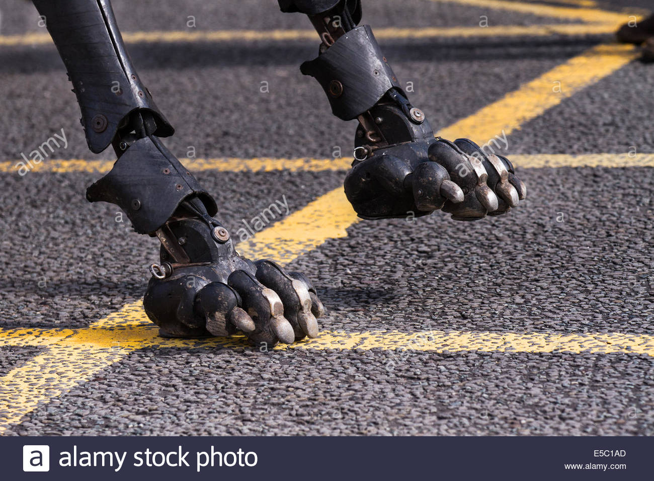 Liverpool, Merseyside, UK 27th July, 2014. Giant footsteps by Xolo a Giant Dog at World War One centenary event. - Stock Image