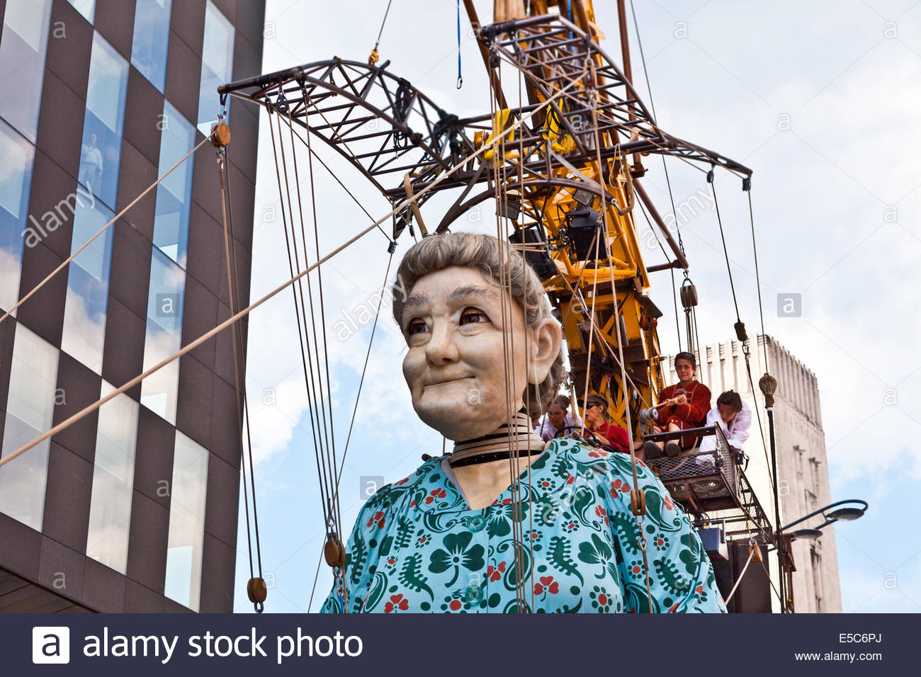 The giant Royal De Luxe street puppets in Liverpool for 'Memories of 1914' part of the city's WW1 centenary - Stock Image