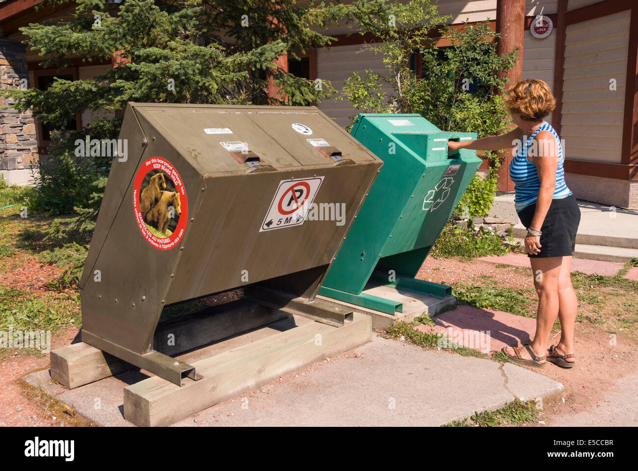 Elk203-2007 Canada, British Columbia, Kootenay National Park, recycling bins Stock Photo