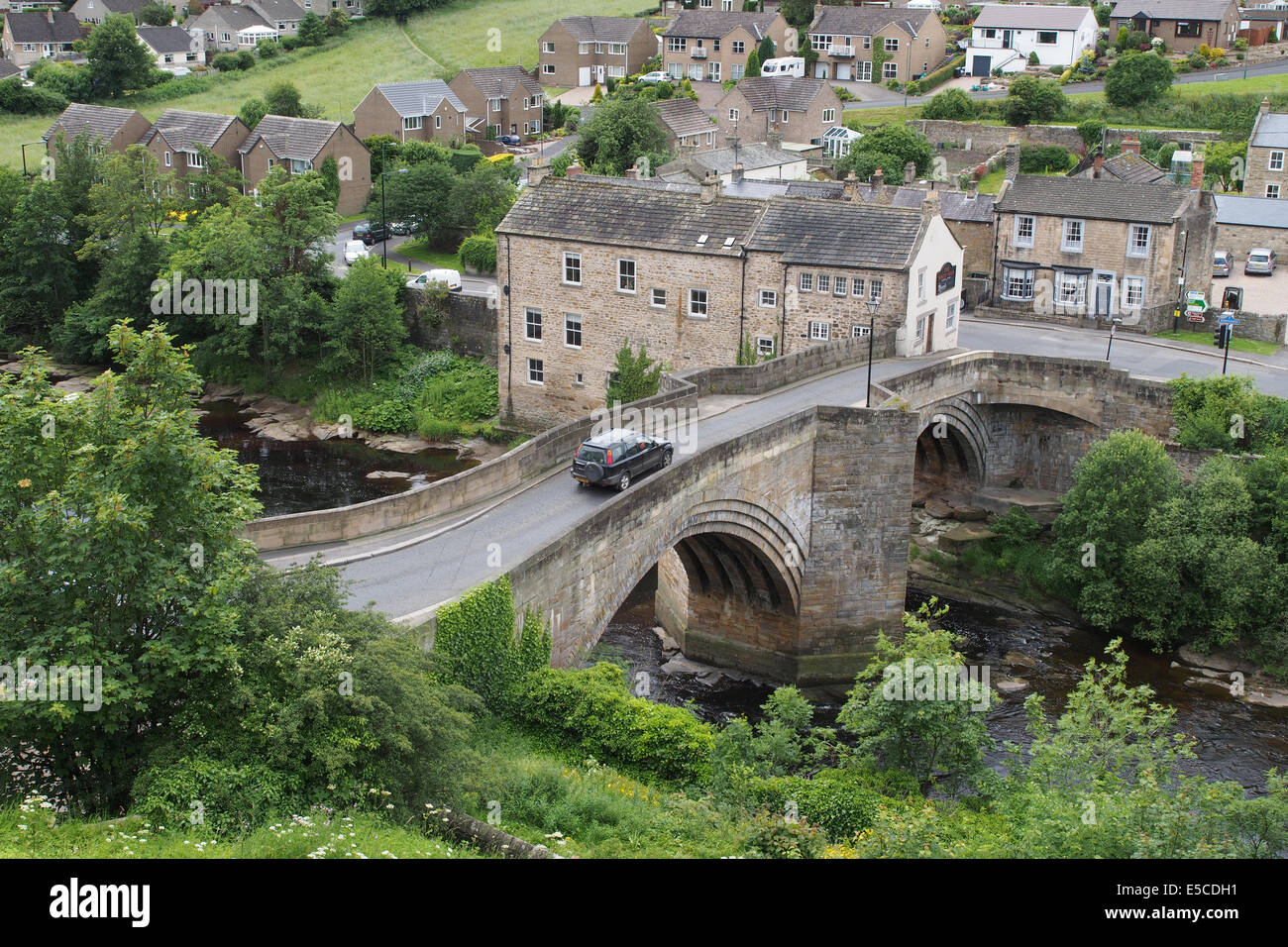 The bridge over the River Tees at Barnard Castle in Teesdale, England. - Stock Image