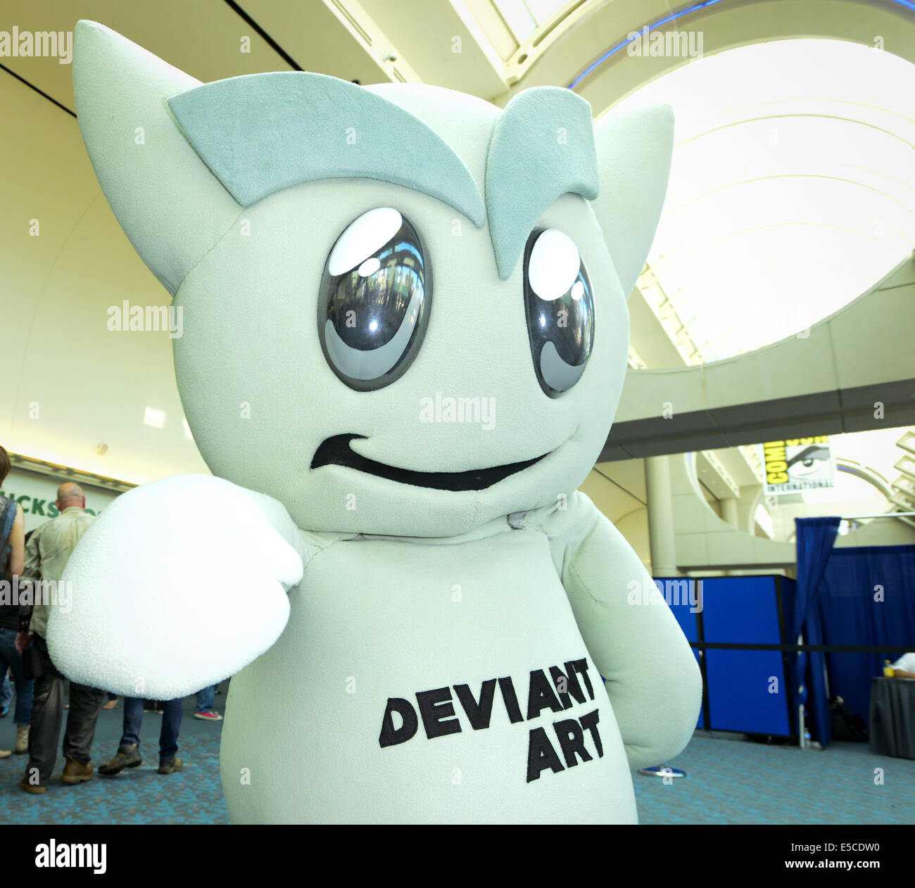 San Diego, California, USA. 26th July, 2014. A cute larger than life Deviant Art animated character in full covered - Stock Image