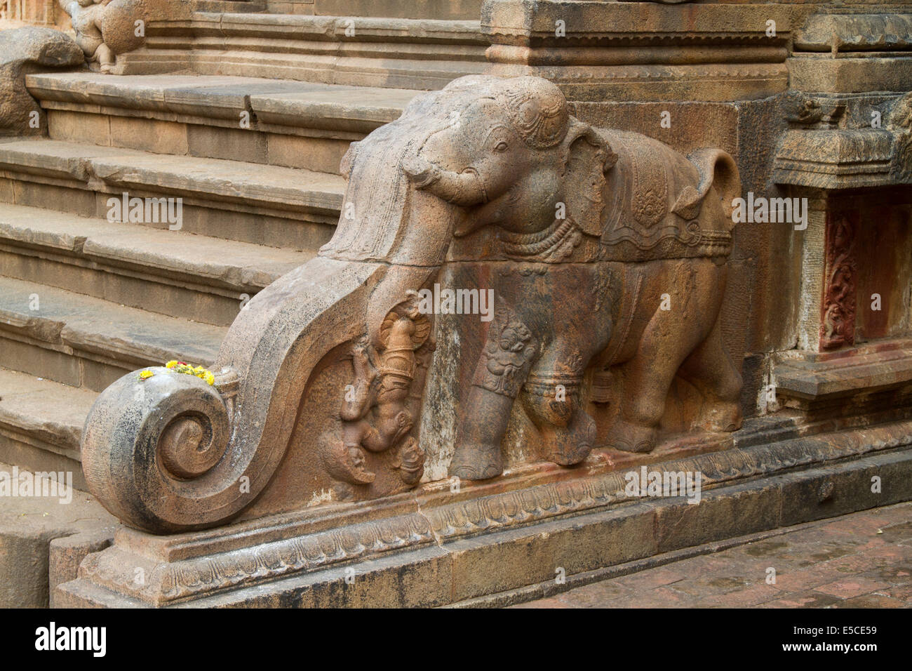 Ornate carved stone handrail in the form of an elephant in the Brihadishvar Temple.Thanjavur (Tanjore),India - Stock Image