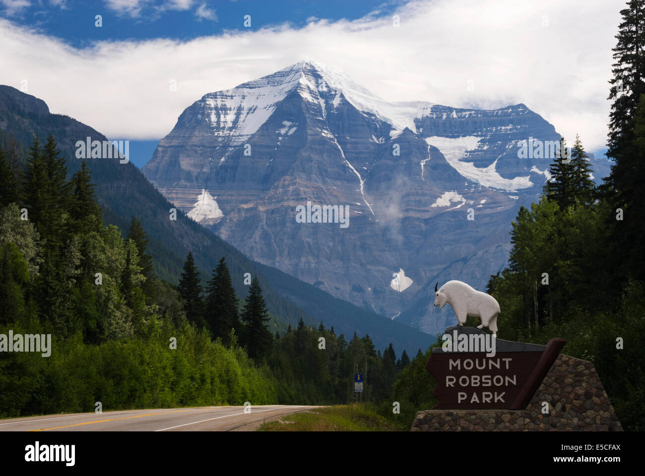 Elk203-2473 Canada, British Columbia, Mount Robson Provincial Park, entry sign - Stock Image