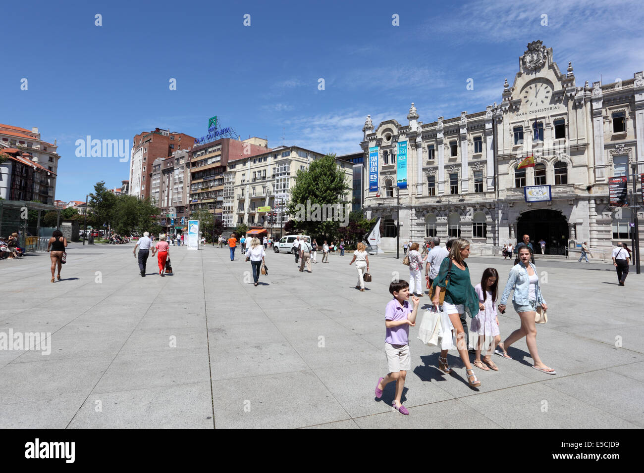 People on the Promenade in Santander, Cantabria, Spain - Stock Image
