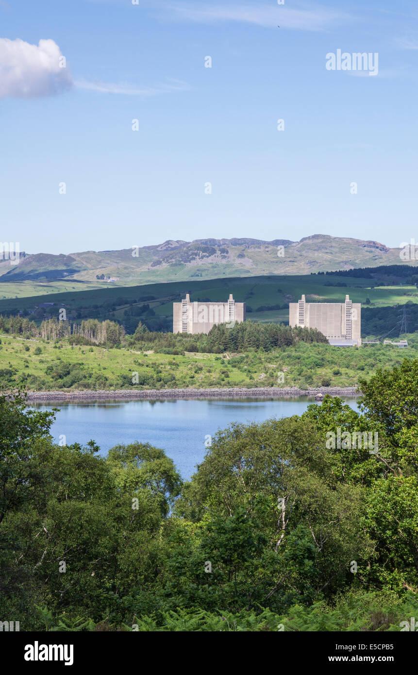 Trawsfynydd nuclear power station and Trawsfynydd Lake, Gwynedd, North Wales - Stock Image