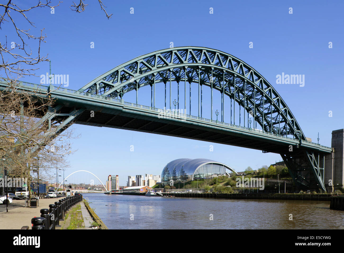 The Tyne bridge between Gateshead and Newcastle-upon-Tyne, UK, with the Millennium Bridge, Baltic Arts Centre and Stock Photo