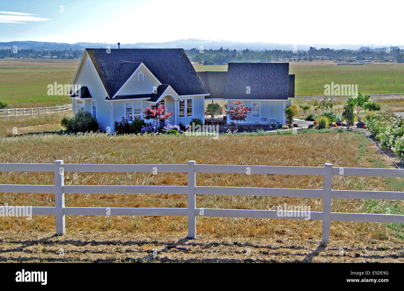 Rural Farm House With White Wooden Fence In Petaluma