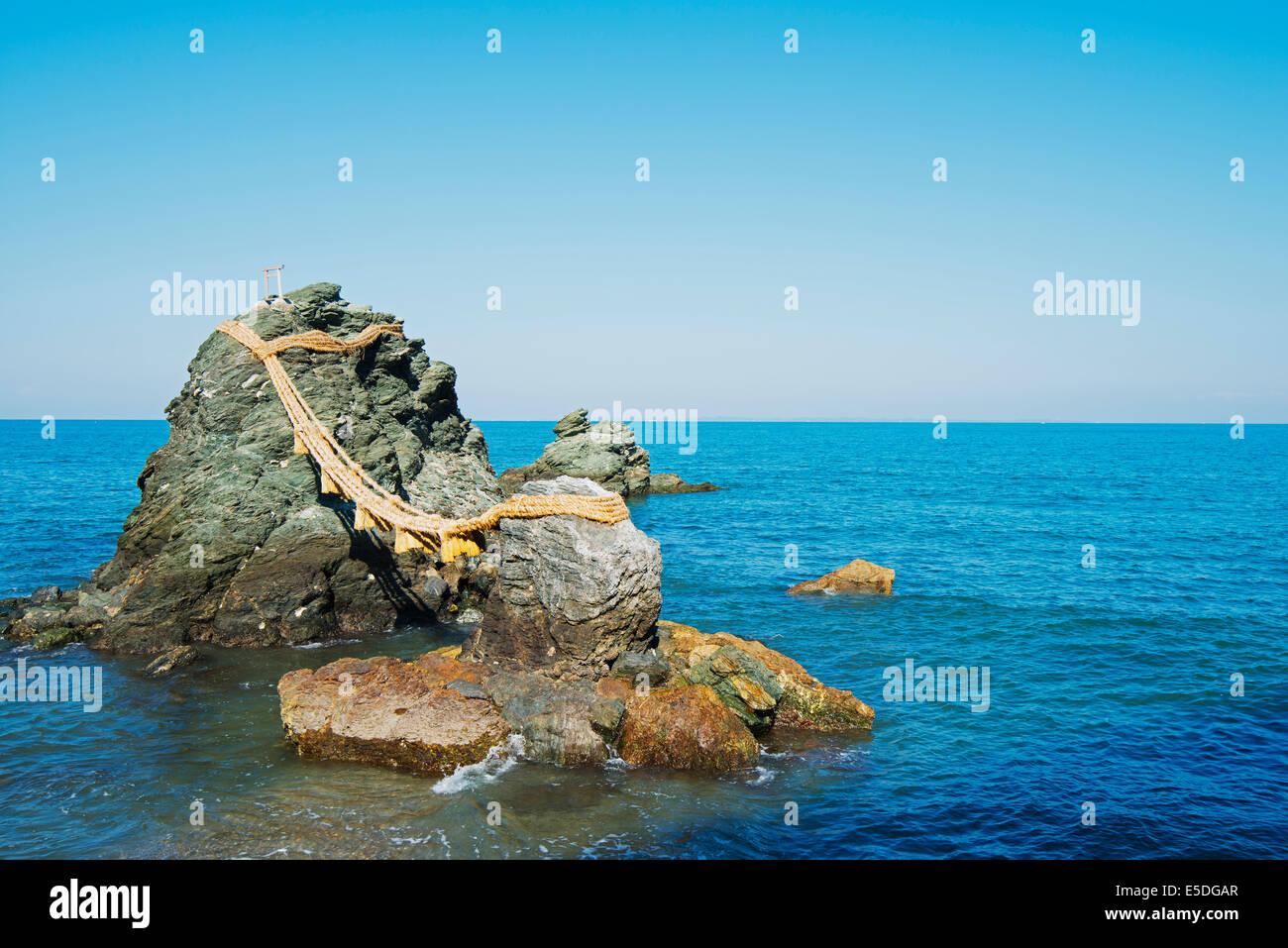 Asia, Japan, Honshu, Mie prefecture, Futaminoura rocks, Meoto-Iwa (Wedded Rocks), - Stock Image