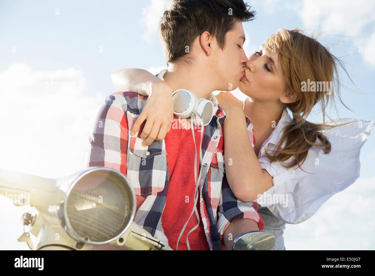 gt-black-teens-kissing-teen-age