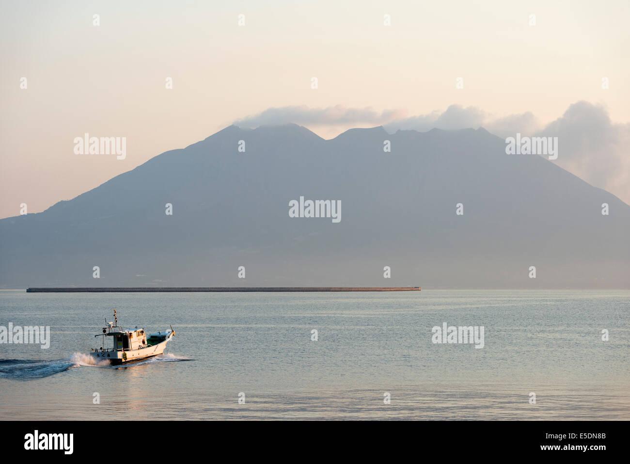Asia, Japan, Kyushu, Kagoshima, Sakurajima volcano - Stock Image
