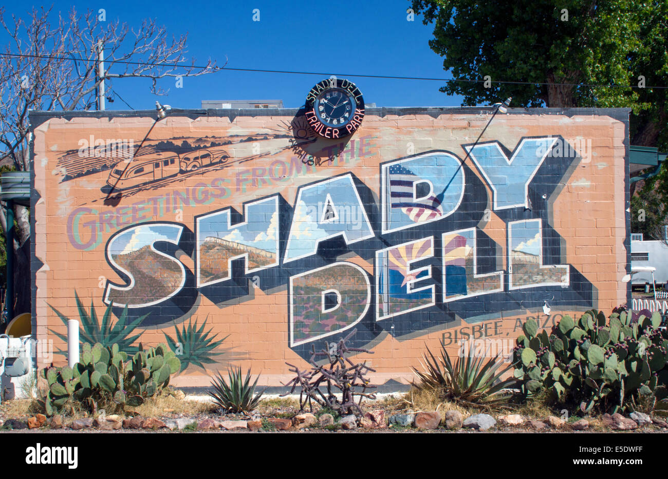 Shady Dell retro mobile home park in Bisbee Arizona Stock ... on trailer homes, aretha's homes, retro park model homes, vintage homes, retro buses, retro motorcycles, retro furniture, 900 square foot homes, retro tile, one level homes, retro boats,