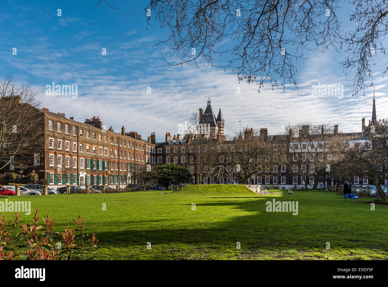 New Square lawns at Lincoln's Inn. The Honourable Society of Lincoln's Inn is one of four Inns of Court - Stock Image
