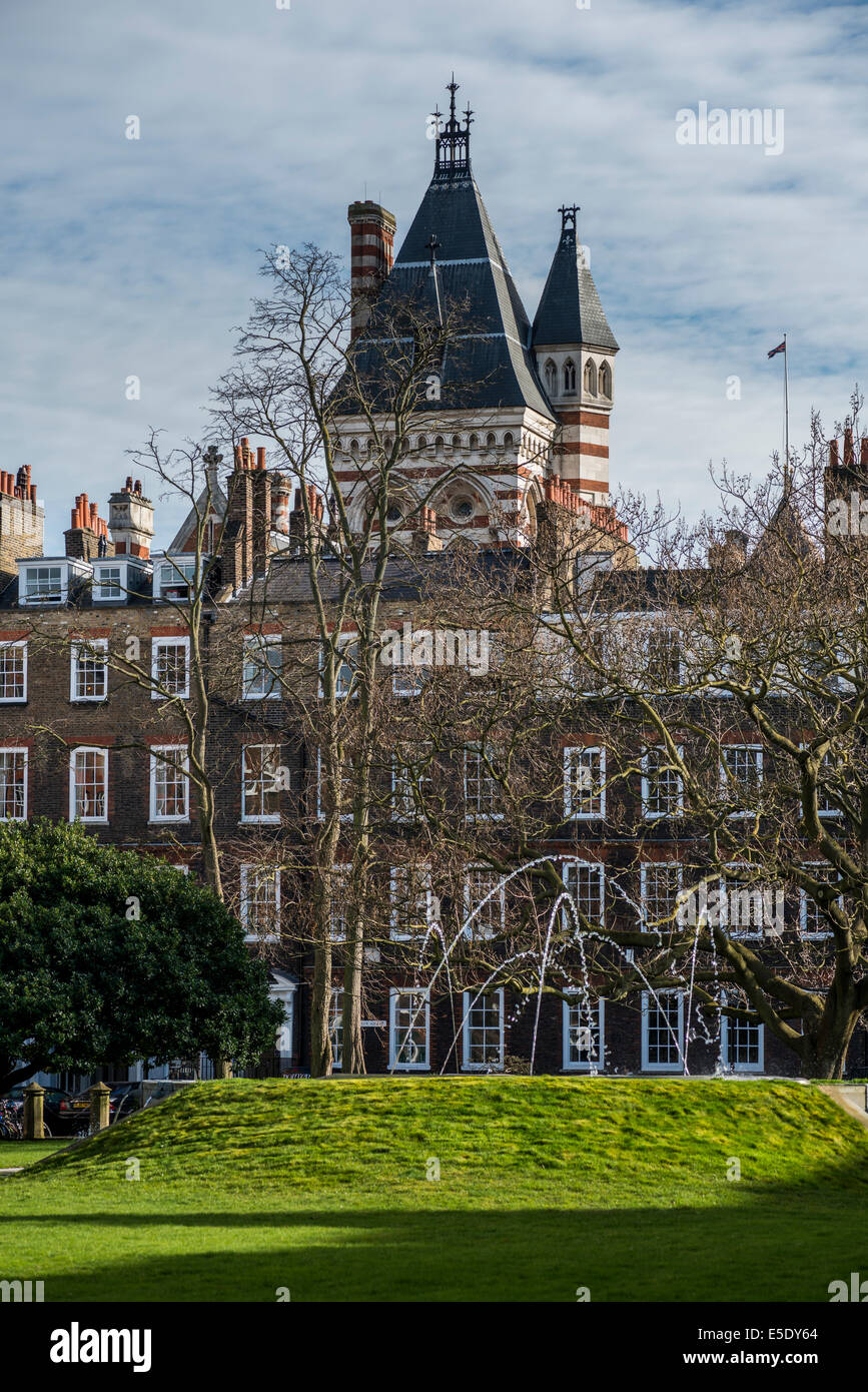 New Square of Lincoln's Inn with the Royal Courts of Justice behind. The Honourable Society of Lincoln's - Stock Image