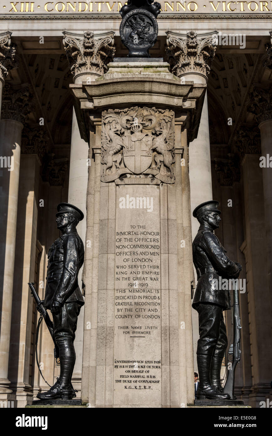 A memorial to London troops who fell in the Great War (World War I) outside the Royal Exchange in the City of London. - Stock Image