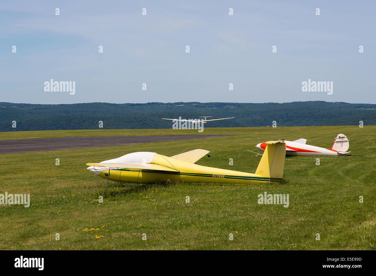 Glider landing at Harris Hill Soaring Center in Horseheads near Elmira New York - Stock Image