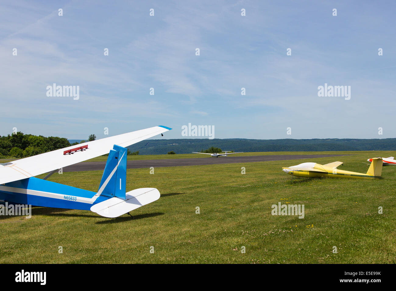 Glider landing at Harris Hill Soaring Center in Horseheads near Elmira New York - Stock Image