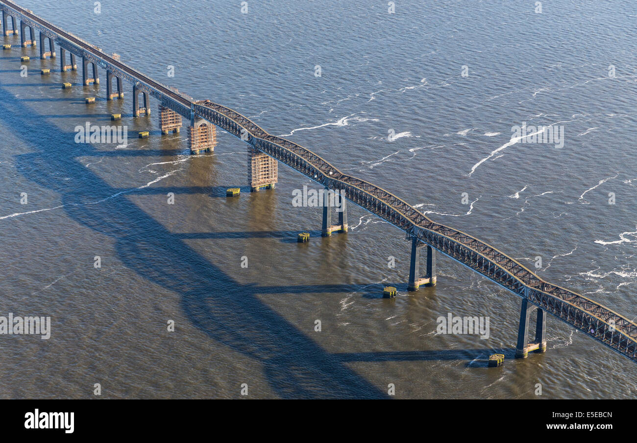 Dundee Tay Rail Bridge crossing over the River Tay, Dundee, Scotland, United Kingdom - Stock Image