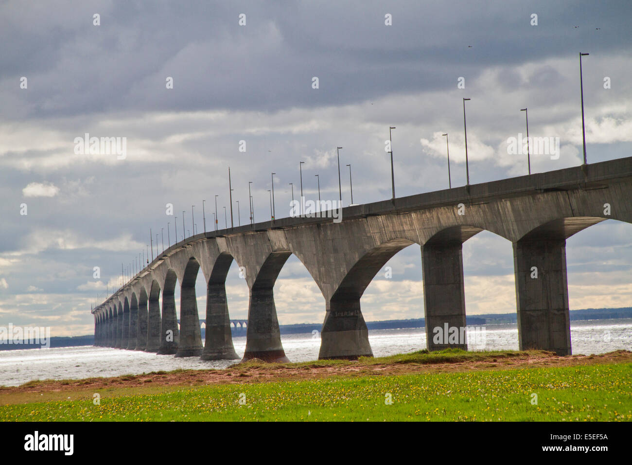 Confederation Bridge, the longest bride over waters that freeze, connects Prince Edward Island with New Brunswick.Prince - Stock Image
