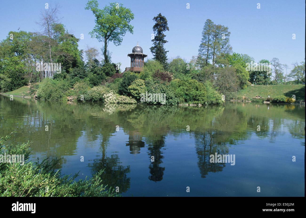 france, paris 16e, bois de boulogne, lac inferieur75016, reflet, kiosque de l'empereur, Napoleon III, Stock Photo