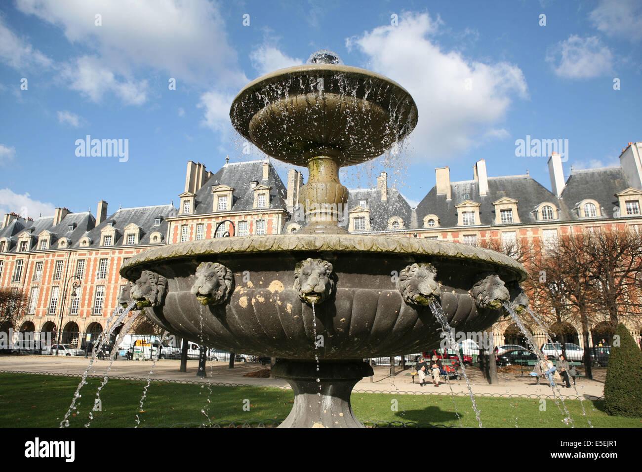 France, paris 4e, le marais, place des vosges, appareil de briques ...