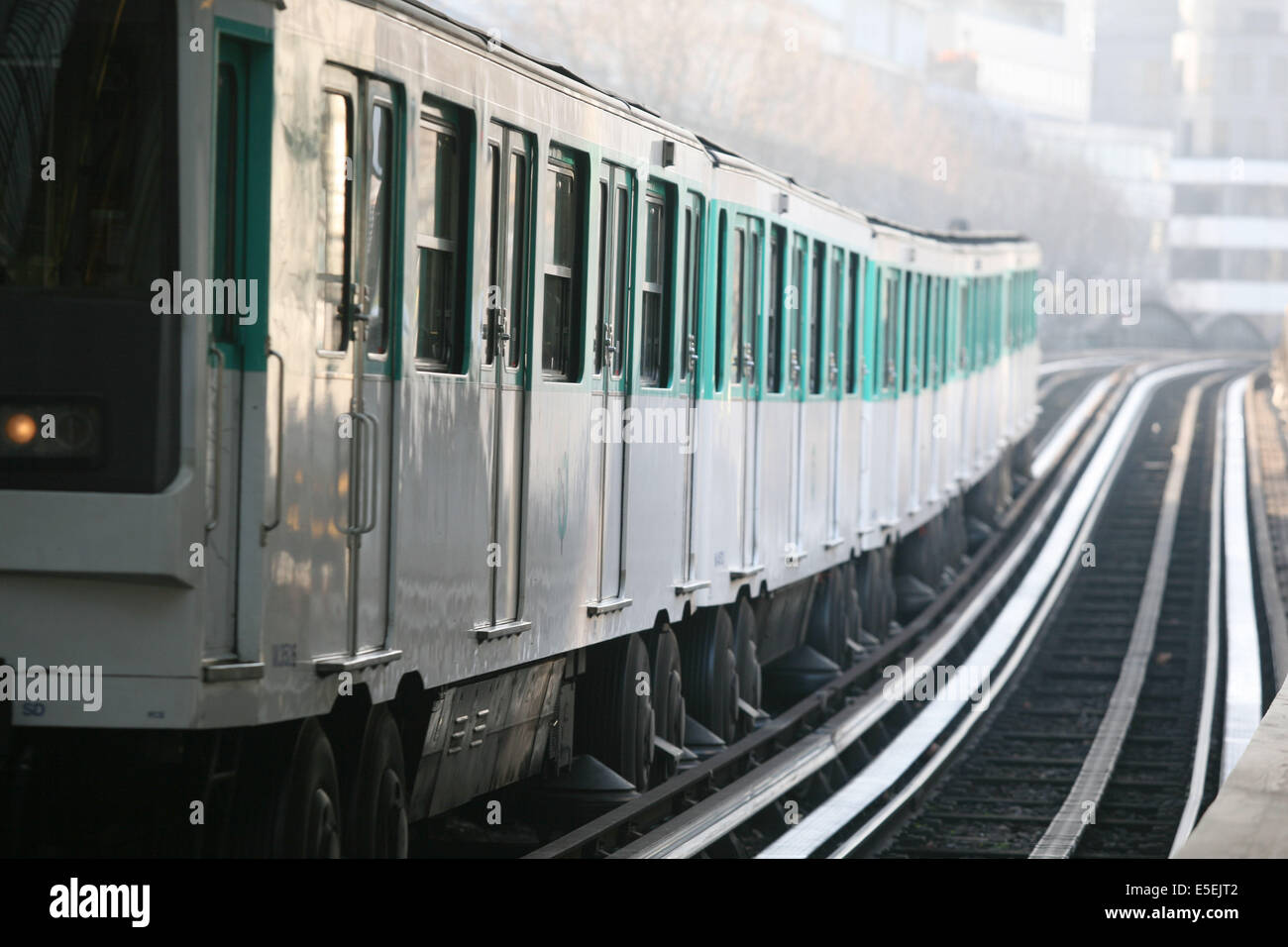 France, paris 13e - metro aerien, quai de la gare, rails, ratp, - Stock Image
