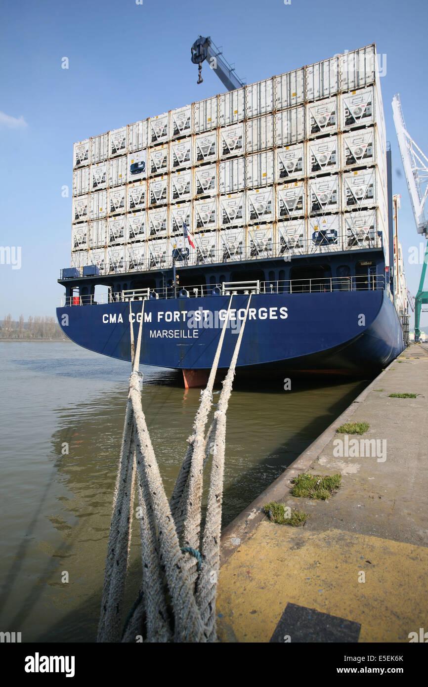 Porte conteneurs stock photos porte conteneurs stock images alamy - Grand port maritime de rouen ...
