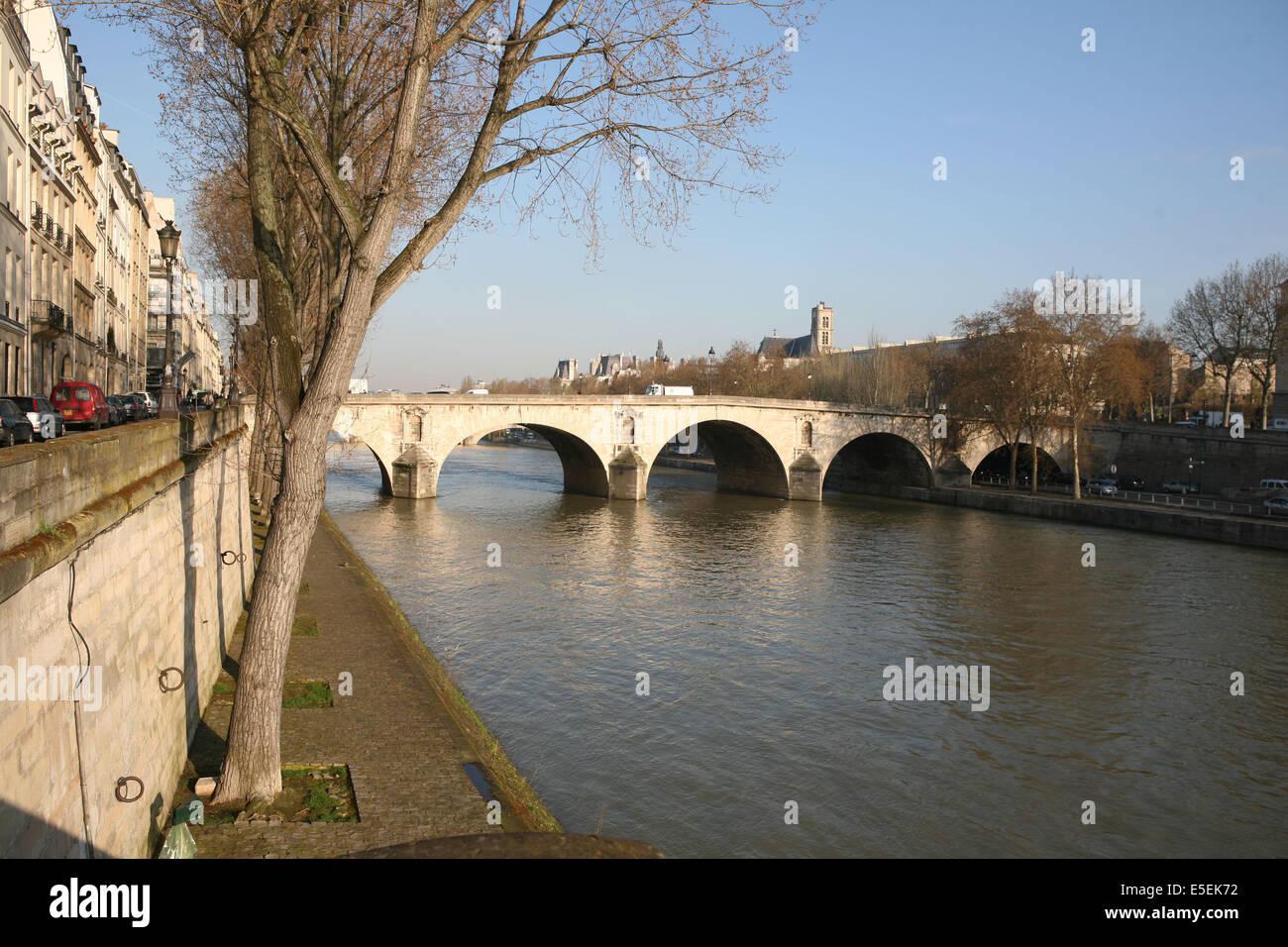 France, paris, 1e, pont marie, seine, vue generale, quai d'anjou, ile saint louis, - Stock Image