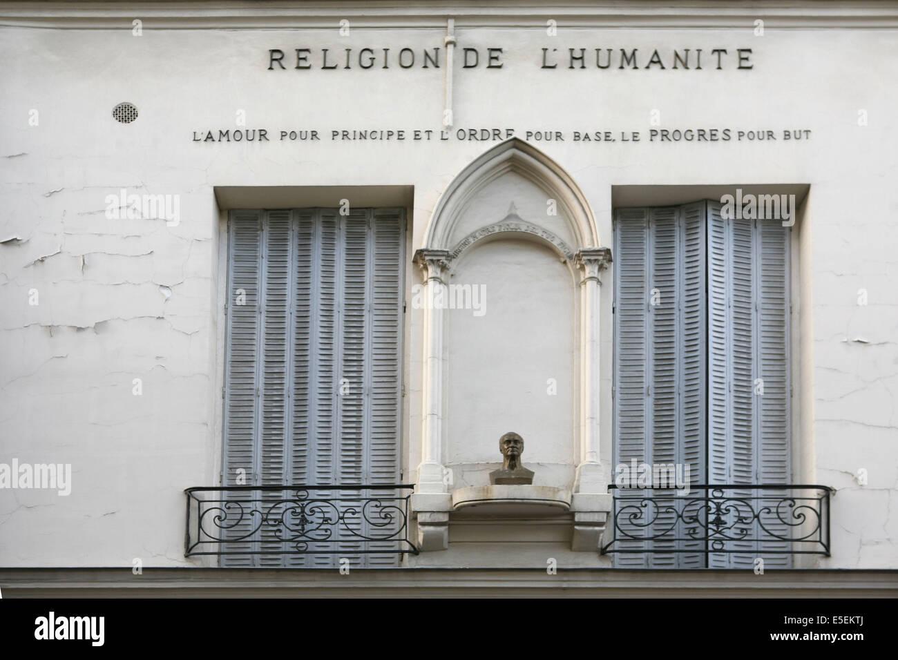 France, paris 3e, le marais, rue Payenne, facade, religion de l'humanite, - Stock Image