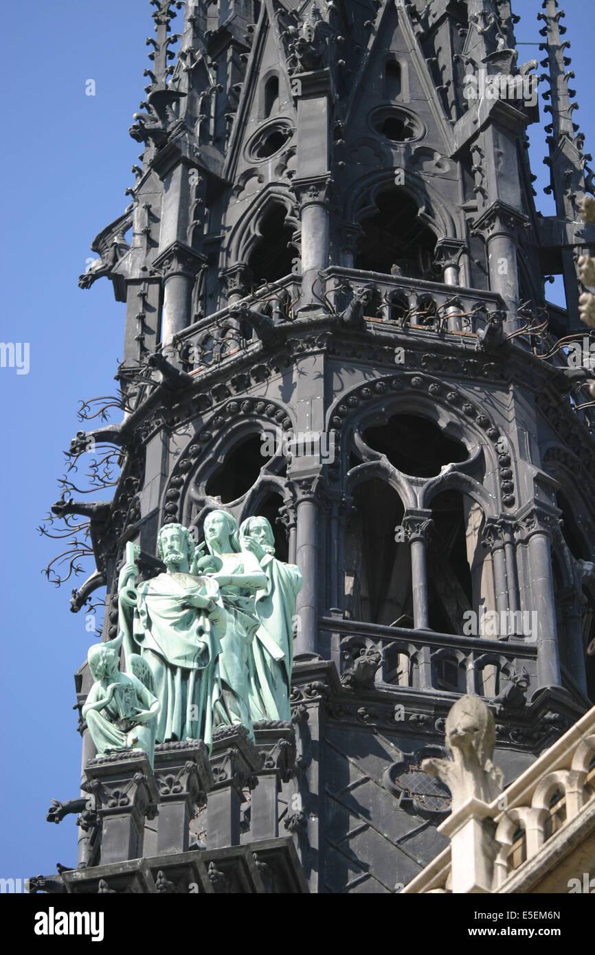 France, paris 4e, ile de la cite, cathedrale notre dame de paris, art gothique et neo gothique, detail de la fleche, Stock Photo