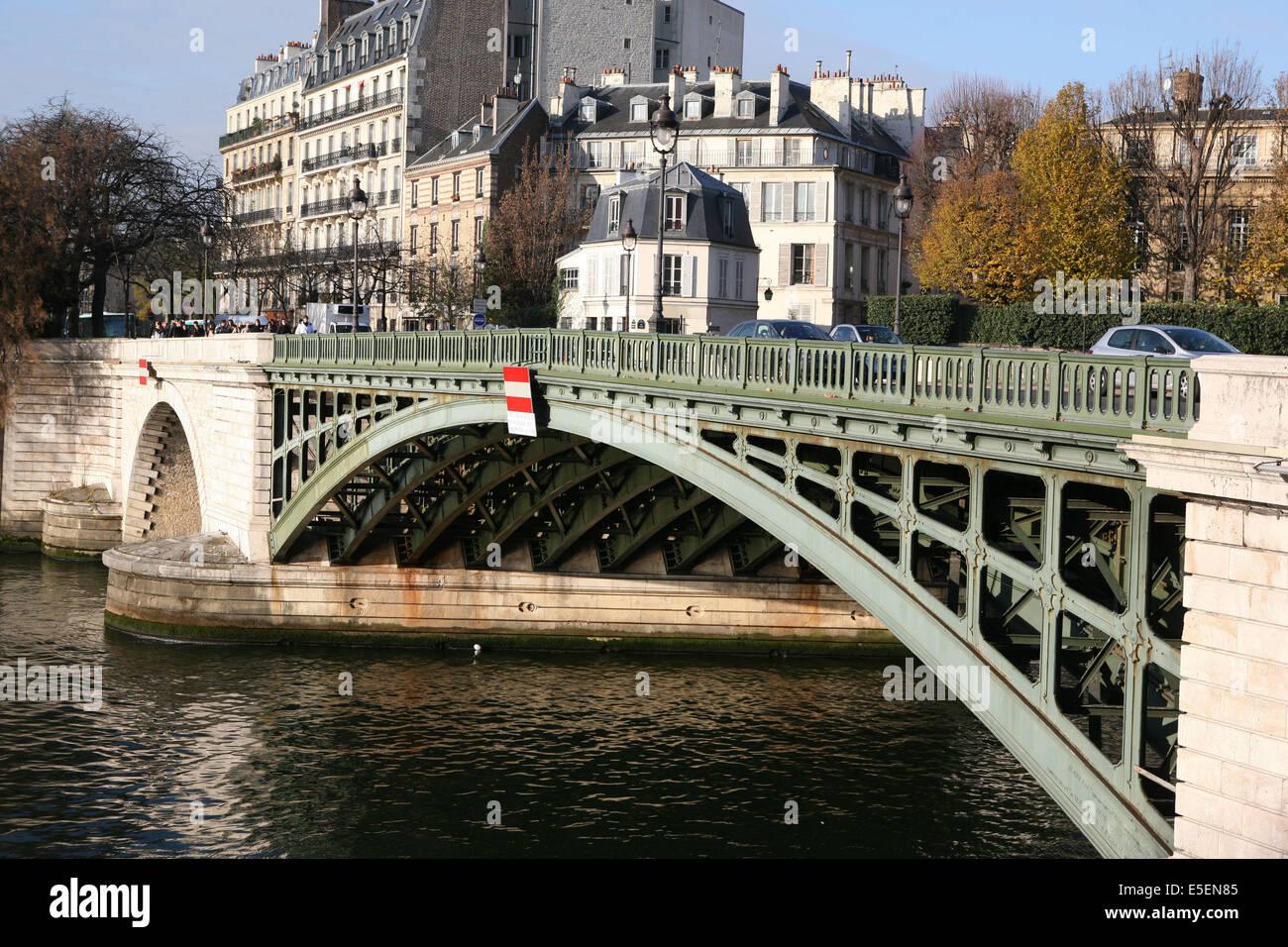 France, paris 4e, ile saint Louis - pont de sully, seine, quai Henri IV, tablier metallique, - Stock Image