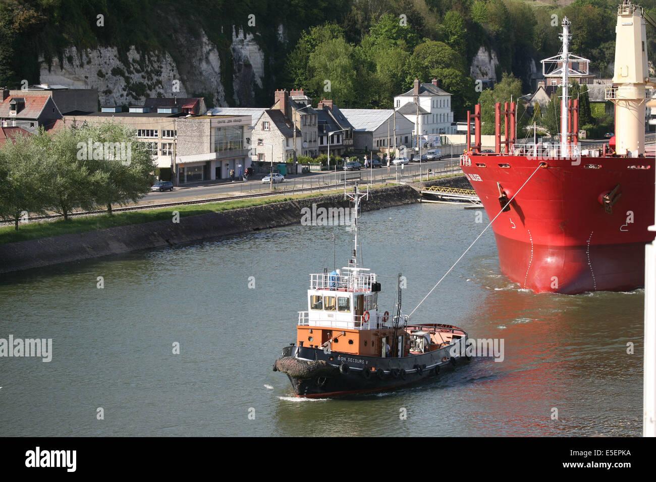 Sea port operations stock photos sea port operations stock images alamy - Grand port maritime de rouen ...