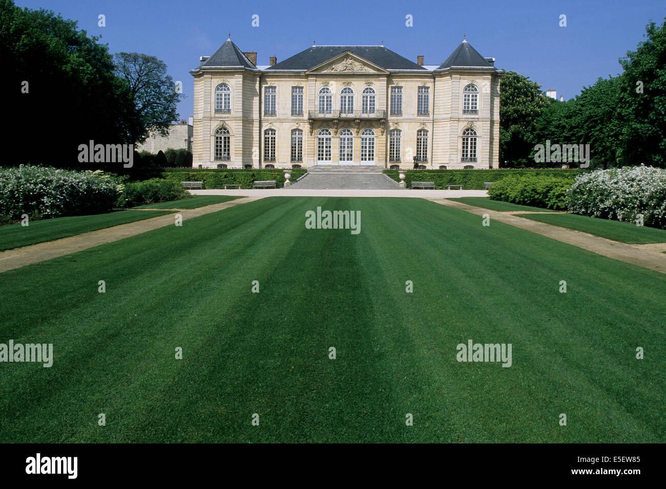 France Paris 7e Faubourg Saint Germain 79 Rue De Varenne Hotel Biron Musee Rodin Particulier Facade Sur Jardin Pelouse Herbe Perspective