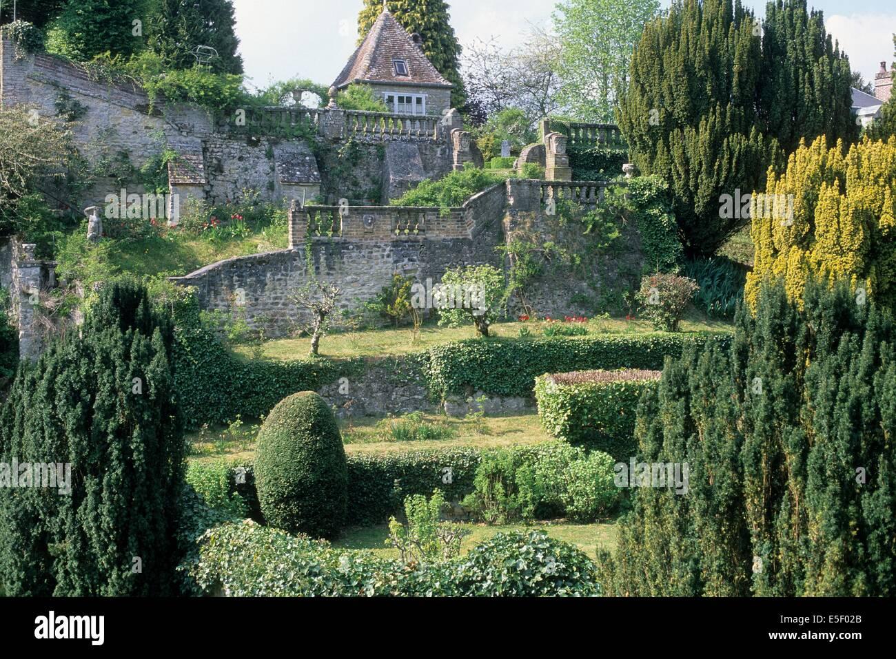 Terrasse En Bois Oise village de gerberoy stock photos & village de gerberoy stock
