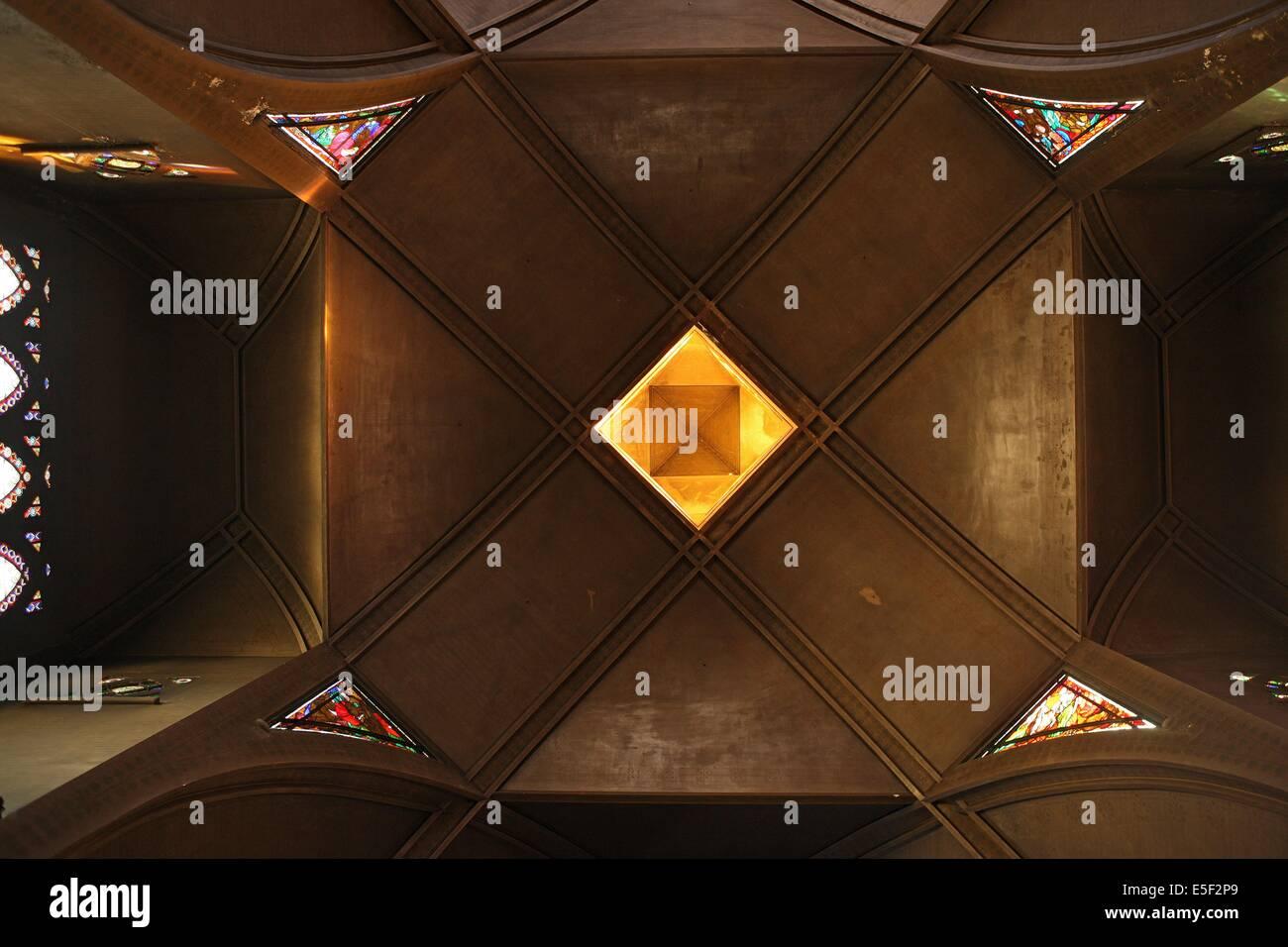 France, ile de france, paris 18e arrondissement, eglise saint jean de montmartre, place des abbesses, architecte Stock Photo