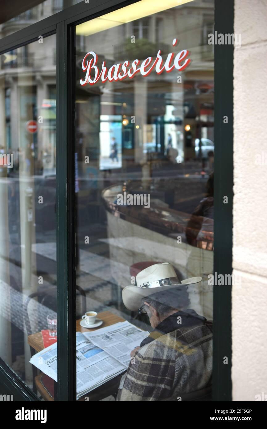 France, ile de france, paris, 9e arrondissement, 65 rue jean baptiste pigalle, bar le sans souci, restaurant, enseigne, - Stock Image