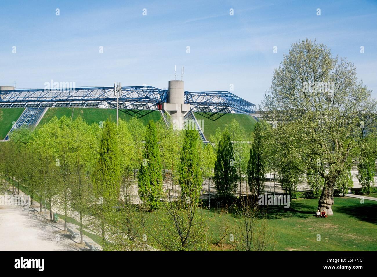 France, ile de france, paris, 12e arrondissement, bercy, parc de bercy, prairie et popb  Date : 2011-2012 - Stock Image