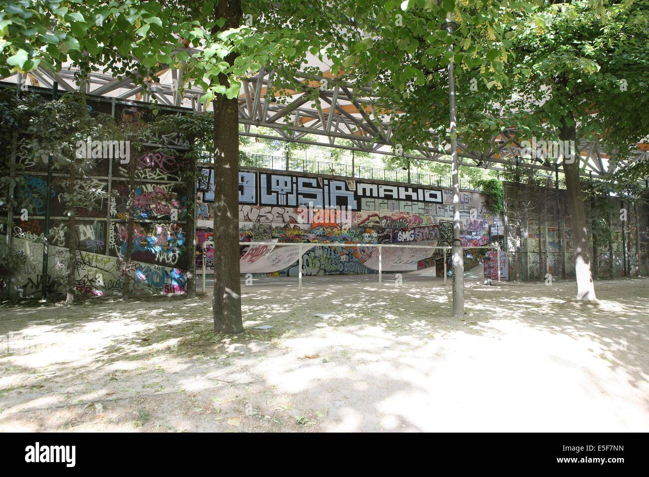 France, ile de france, paris, 12e arrondissement, bercy, parc de bercy, skate parc  Date : 2011-2012 - Stock Image