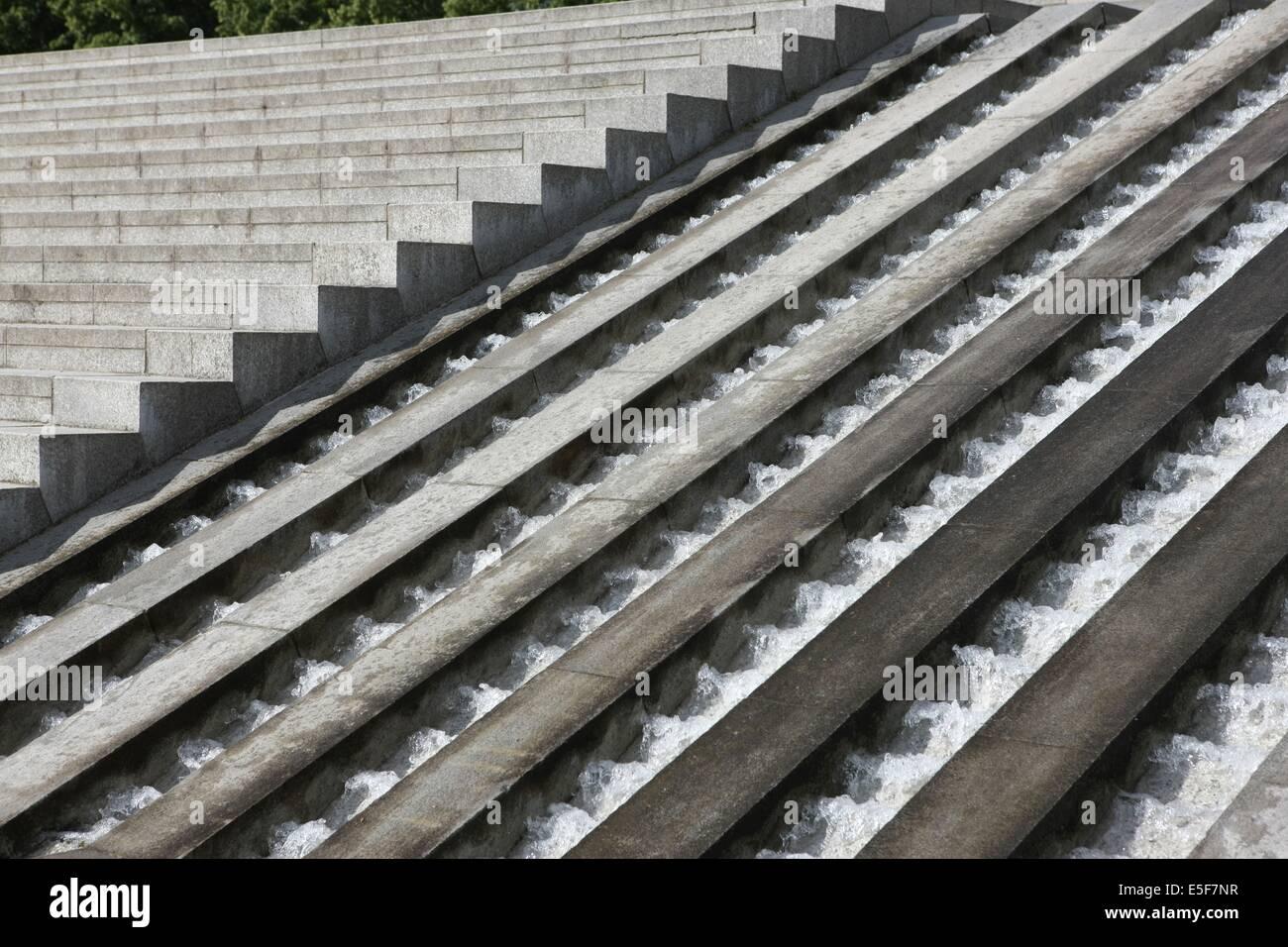 France, ile de france, paris, 12e arrondissement, bercy, parc de bercy, cascade  Date : 2011-2012 - Stock Image