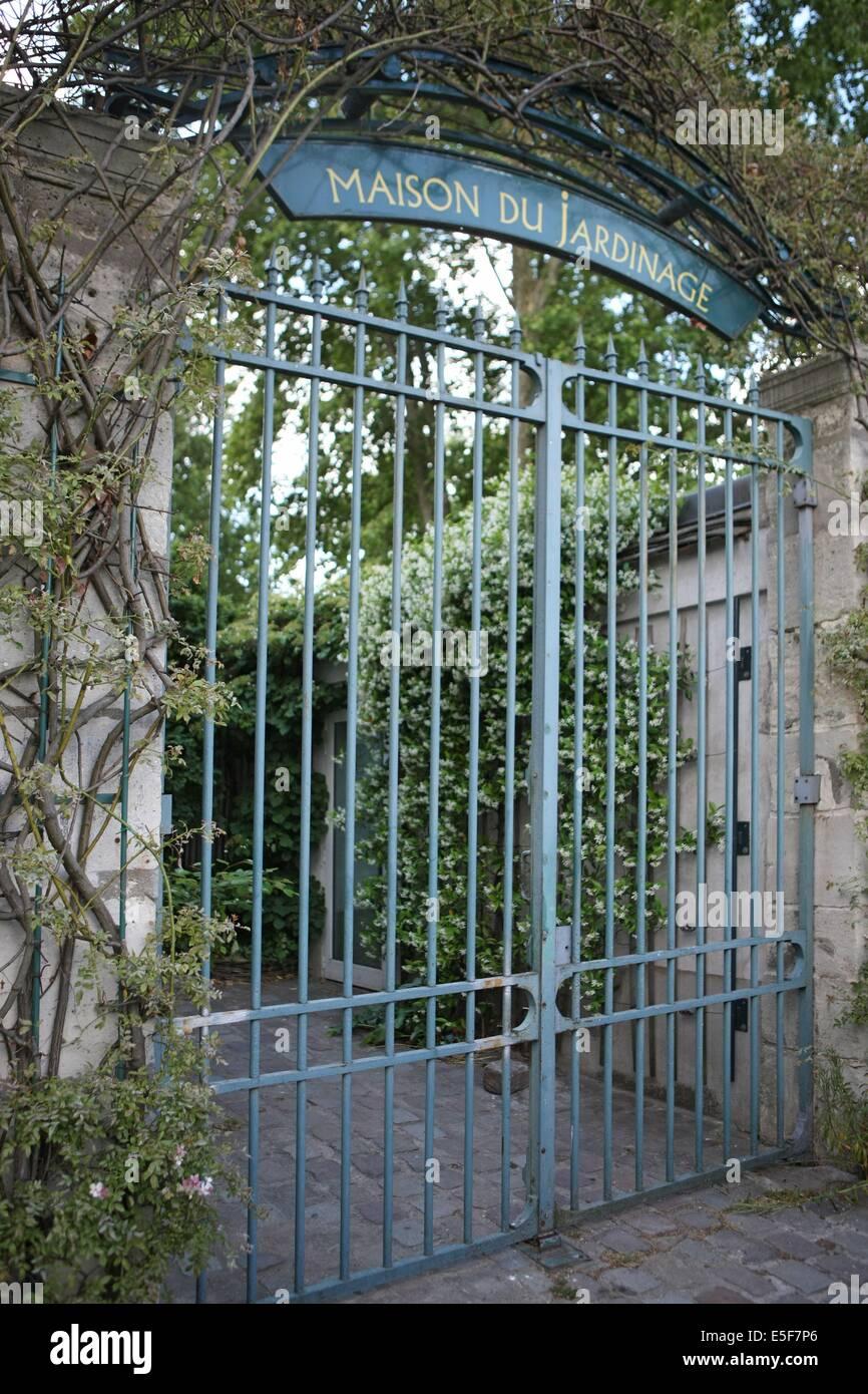 France, ile de france, paris, 12e arrondissement, bercy, parc de bercy, maison du jardinage, jardins potagers  Date - Stock Image