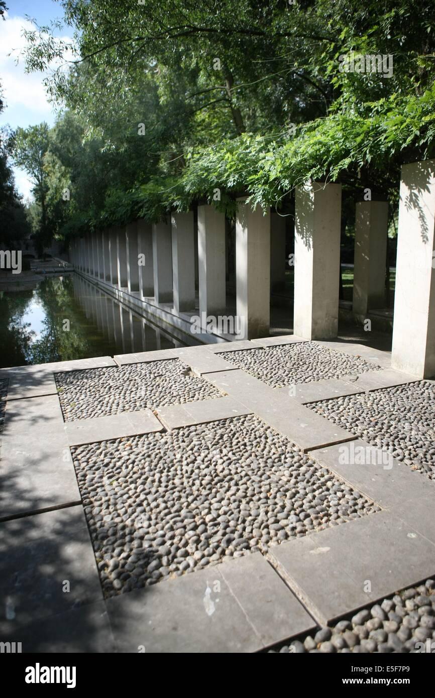 France, ile de france, paris, 12e arrondissement, bercy, parc de bercy, jardin yitzhak rabin, espace vert  Date - Stock Image