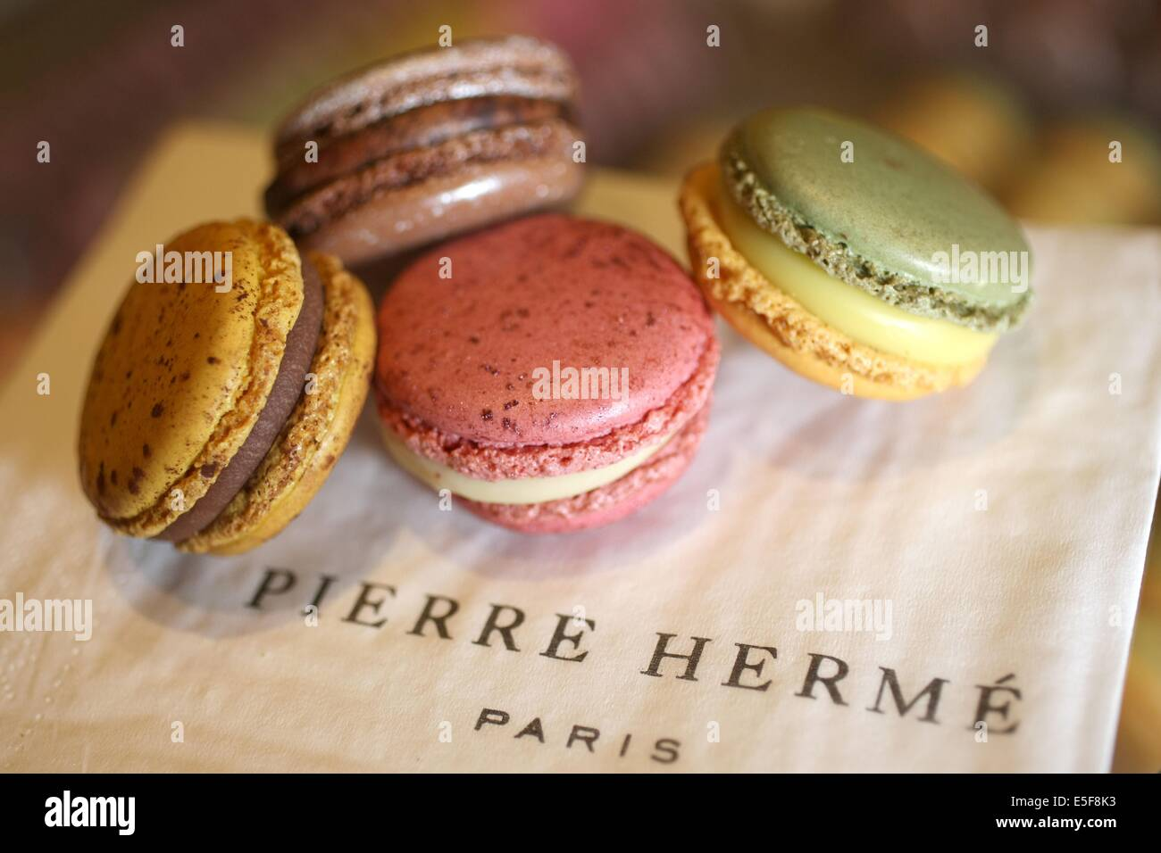France, ile de france, paris 1er arrondissement, 6 rue cambon, boutique pierre herme, macarons, chocolat, patisserie, - Stock Image
