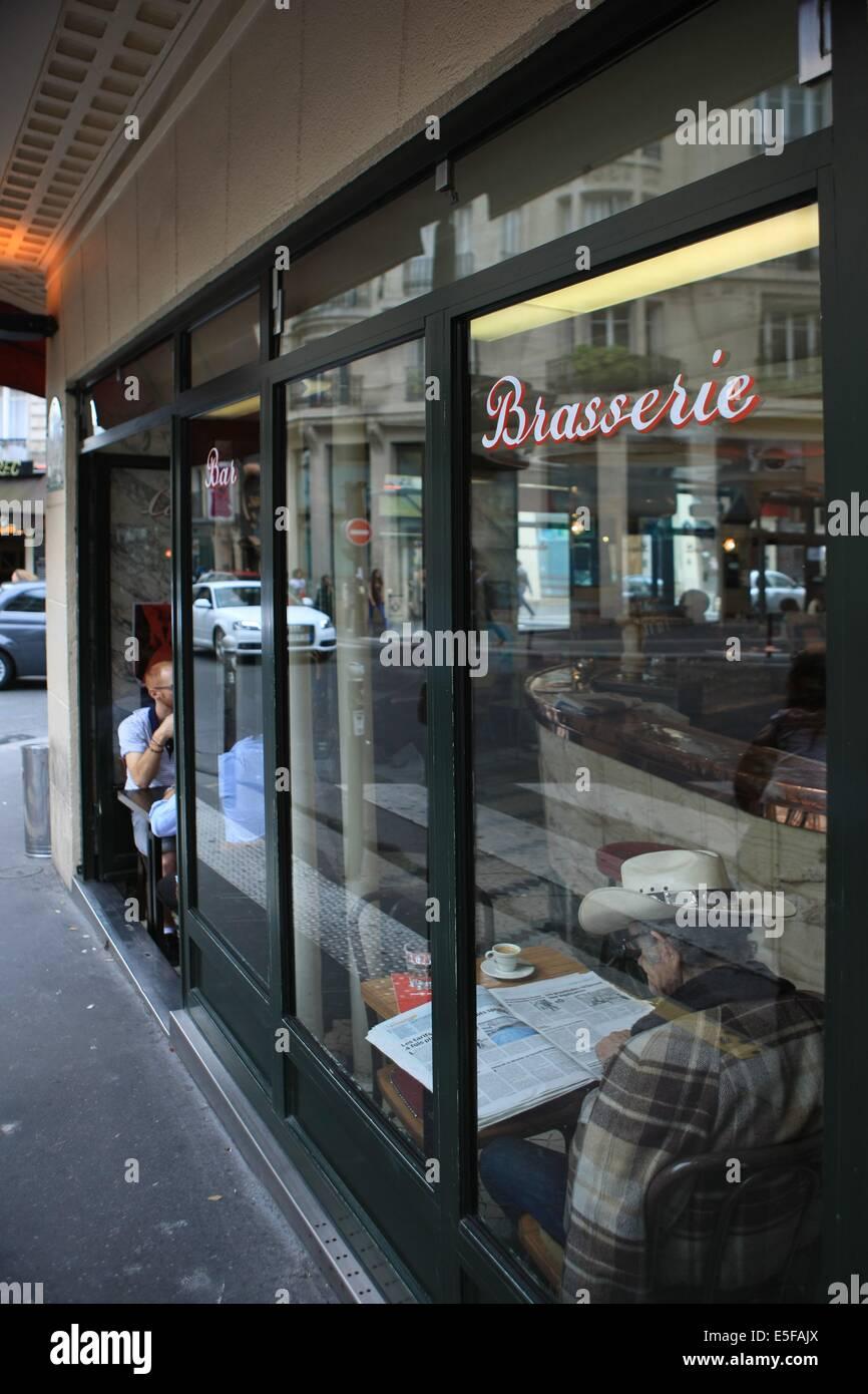 Bar Le Sans-souci, 65 rue Jean Baptiste Pigalle a Paris - Stock Image