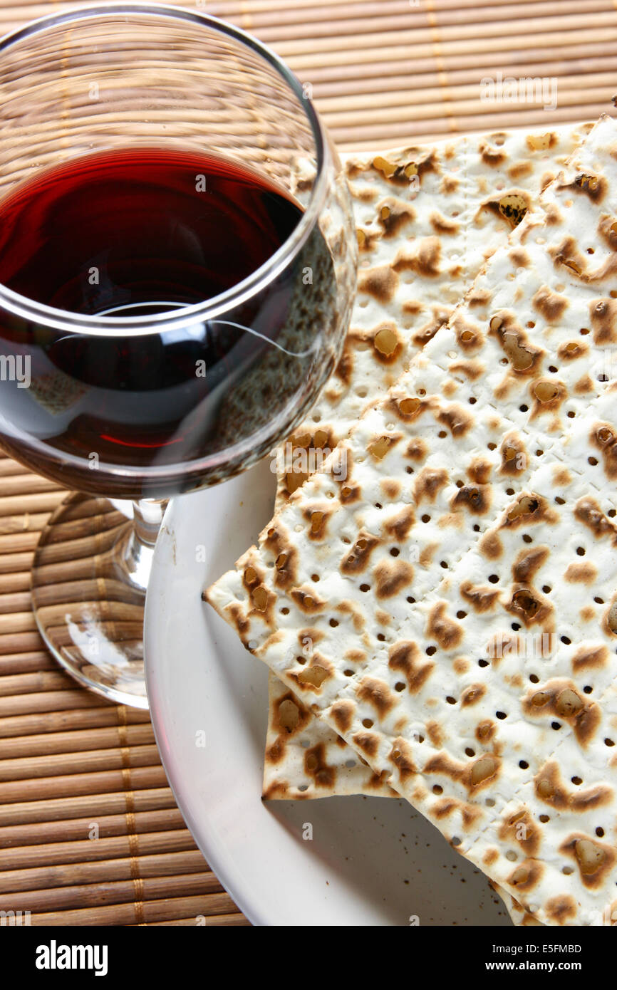 Wine and matzoh - elements of jewish passover supper - Stock Image