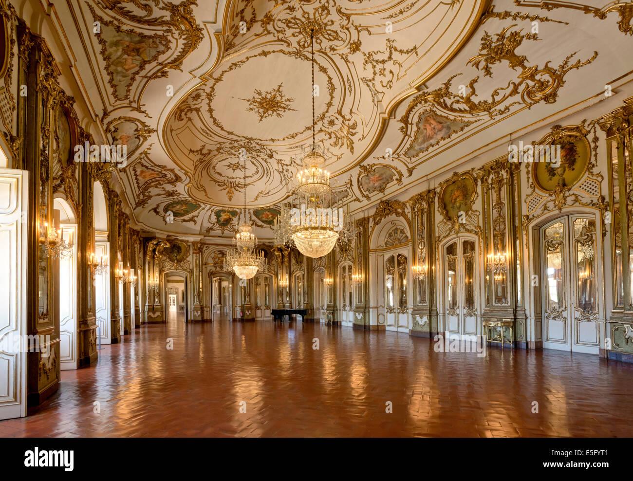 Ballroom stock photos ballroom stock images alamy for Sala 976 latin palace