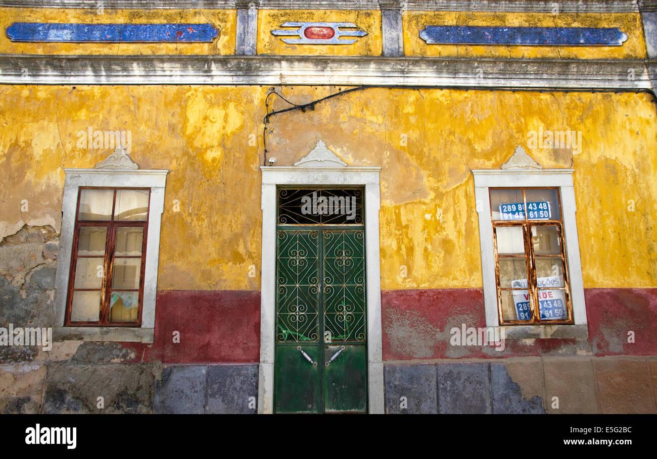Rundown house for sale in town of Estoi, near Faro, Algarve, Portugal - Stock Image