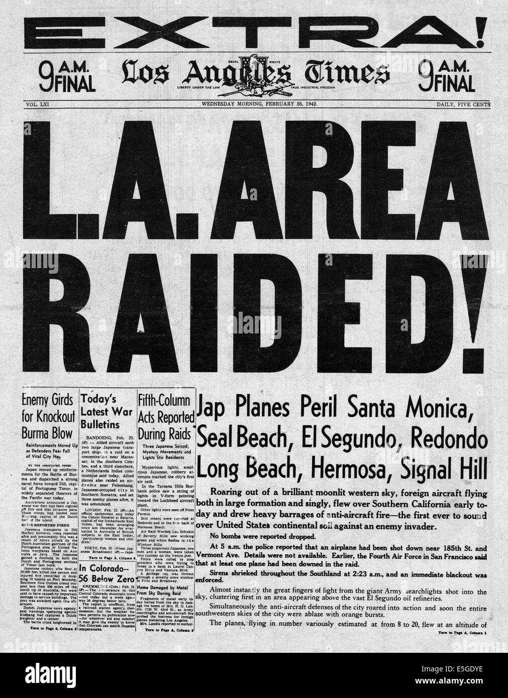 1942 Los Angeles Times front page headline falsely reporting Japanese air raid over Los Angeles - Stock Image