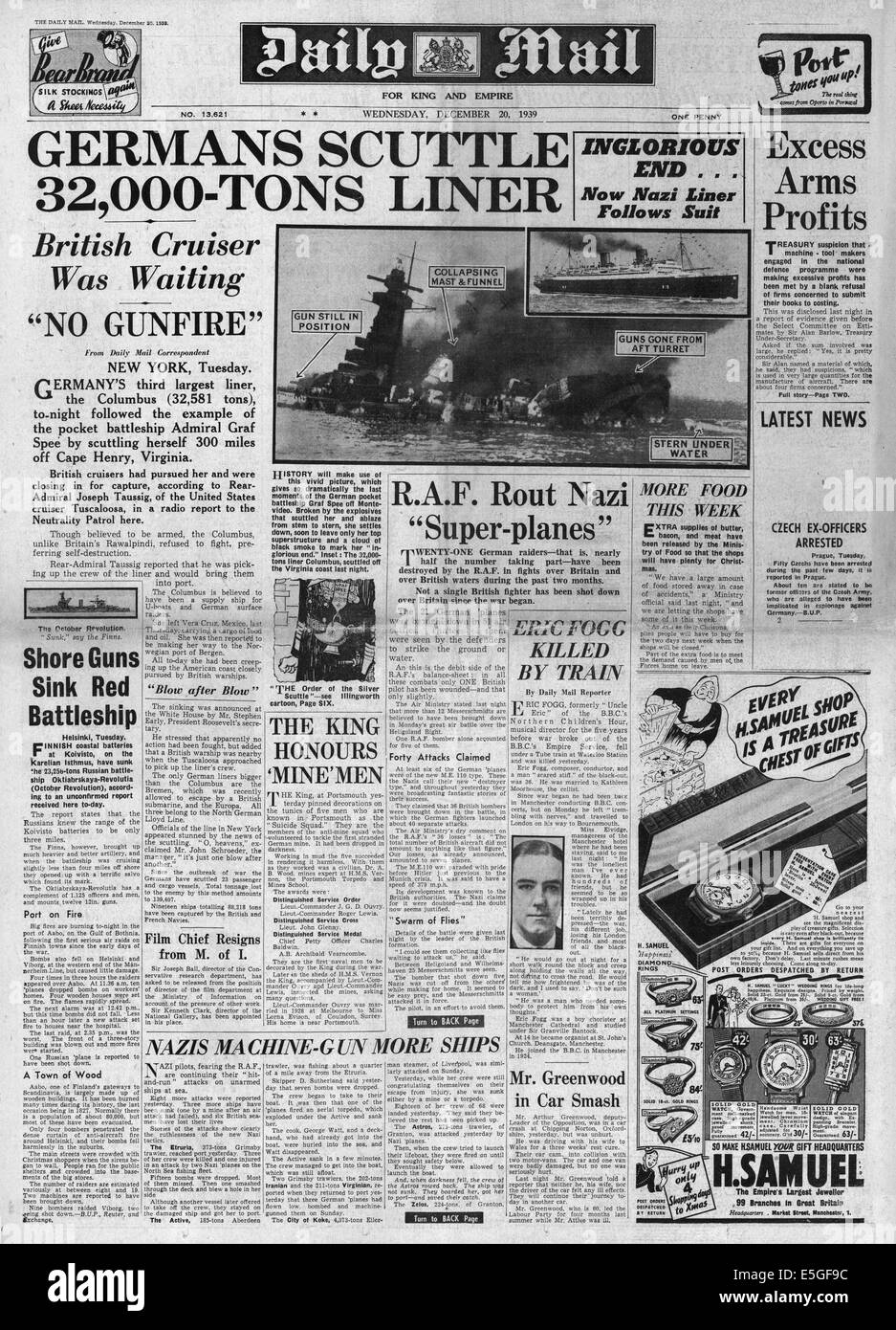 1939 Daily Mail front page reporting German pocket battleship Admiral Graf Spee scuttled Stock Photo