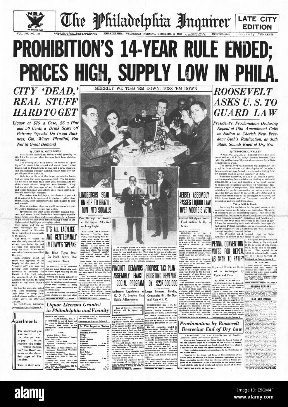 1933 Philadelphia Inquirer (USA) front page reporting that Prohibition begins across the United States - Stock Image
