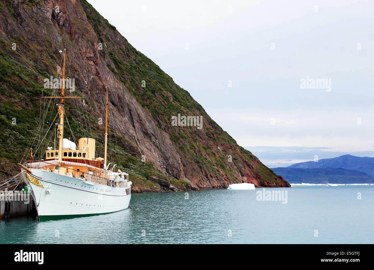 Narsarsuaq, Greenland. 30th July, 2014. The Danish Royal Yacht Dannebrog in the Tunulliarfik fjord of Narsarsuaq, - Stock Image